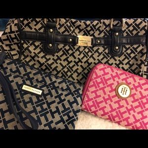 TOMMY HILFIGER purse and 2 wristlets